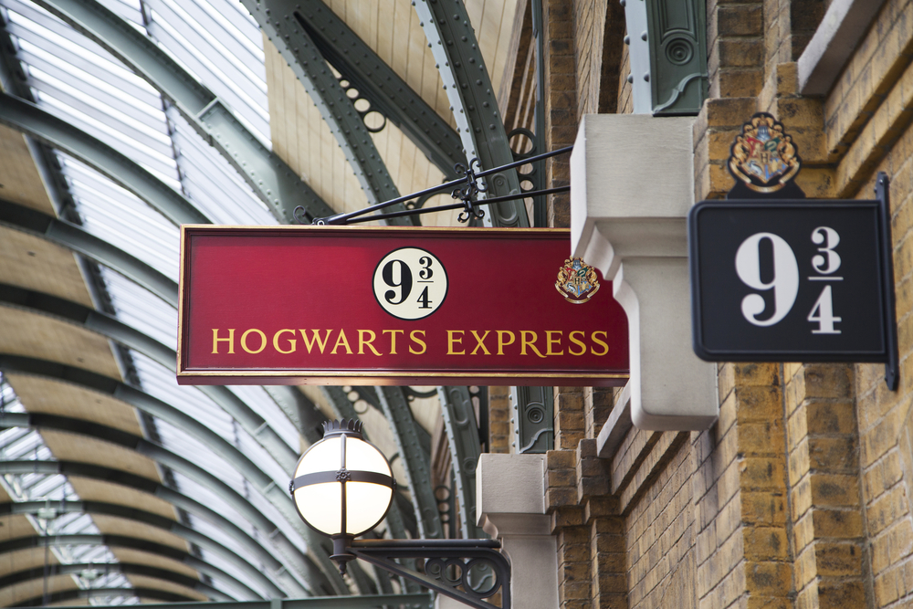 Hogwarts Express train platform 9 3/4
