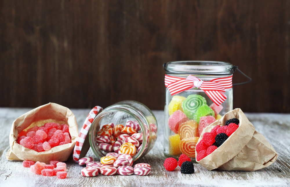 Diy Custom Candy Jars A Gift To Go With Sweets Candy Club